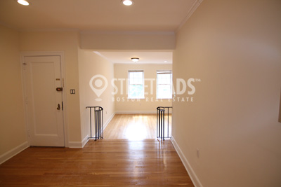 Pictures of  Apartment for Rent on Auburn St, Brookline, MA